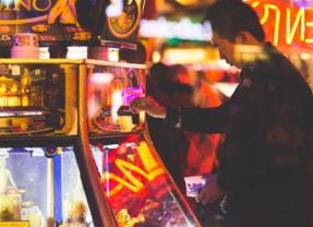 Pourquoi les hommes aiment tant jouer aux jeux d'argent en ligne ?